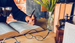 Como escrever sinopse