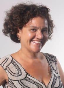 Adriana Vieira Lomar - autora do Aldeia dos mortos